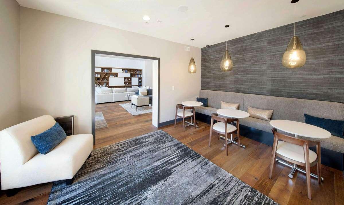 KEN-Lounge